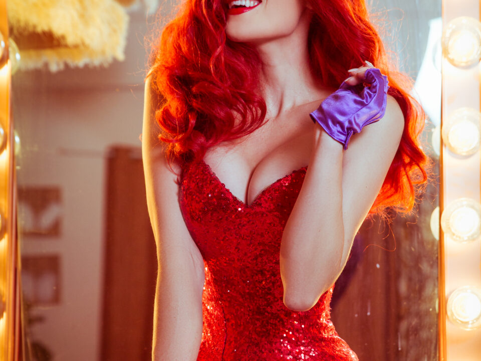 jessica-rabbit-cosplay-holly-wolf