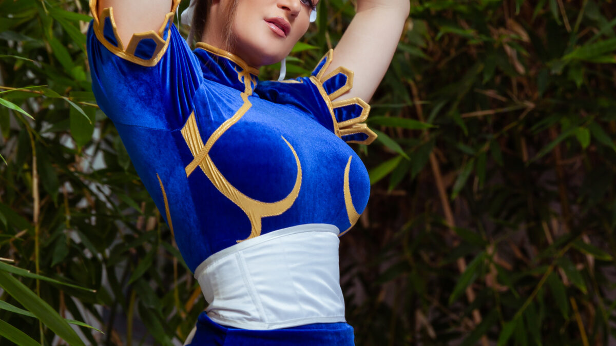 Holly-Wolf-Chun-Li-Cosplay