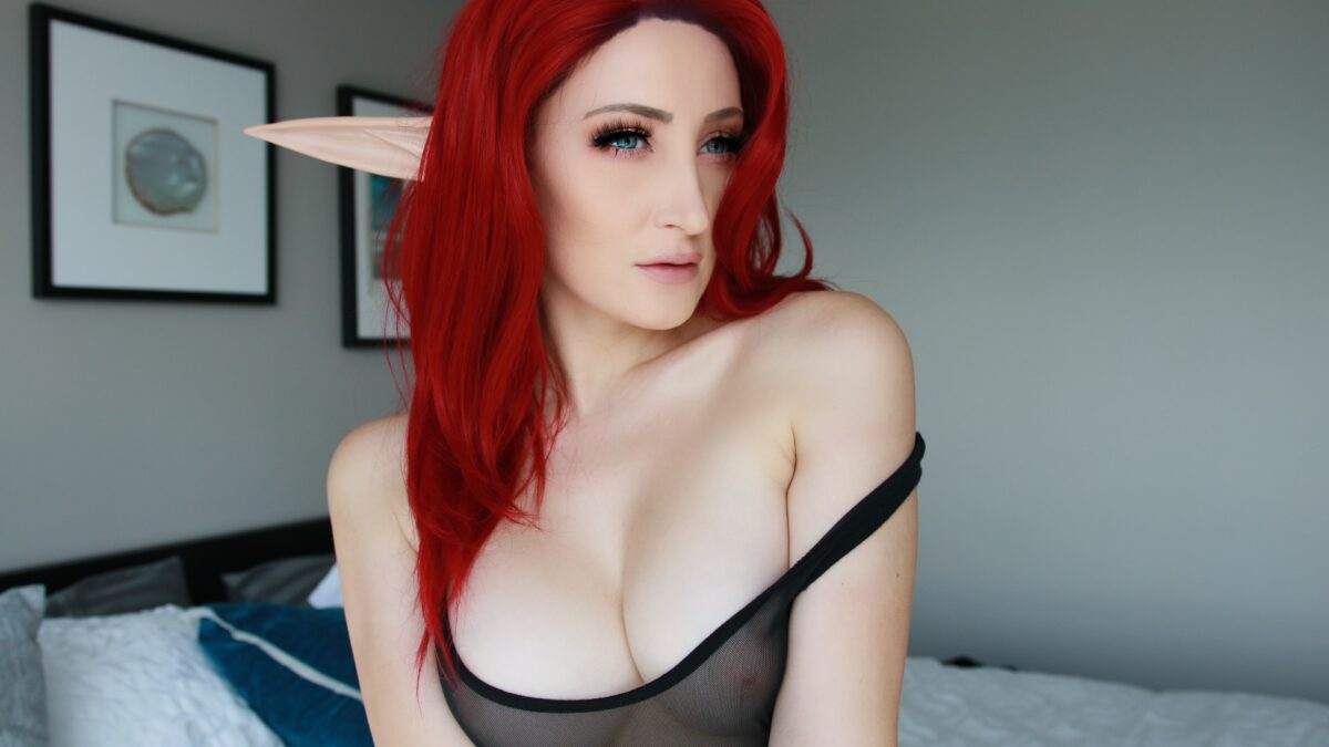 Holly-Wolf-Red-Elf-Topless-Nude
